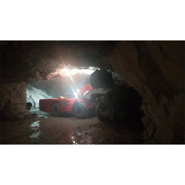 LB7 Underground Battery Loader